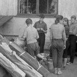 Коля Головчинер: Экспедиция закончилась. На вокзале в Пскове, 1960г.